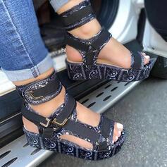Vrouwen PU Wedge Heel Sandalen Plateau Wedges Peep Toe Hakken met Gesp Hol-out Velcro schoenen
