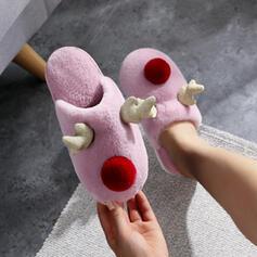 Vrouwen Suede Flat Heel Flats Ronde neus met Kralen Las kleur schoenen
