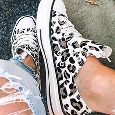 Vrouwen Zeildoek Flat Heel Flats Lage top Espadrille Loafers & Slip-Ons met Dier Afdrukken Vastrijgen schoenen