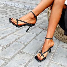 Vrouwen PU Stiletto Heel Sandalen Pumps Peep Toe Vierkante teen Hakken met Gesp Hol-out Effen kleur schoenen