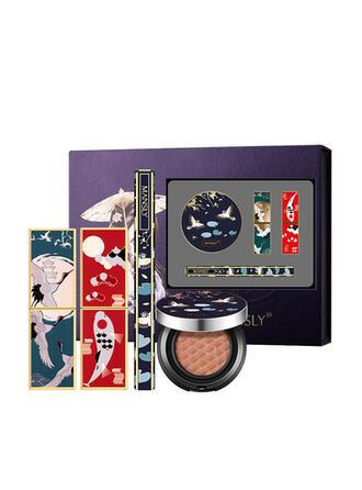 4 STUKS Mat waterbestendig Fleuren Olie controle Lippenstiften Eyeliner BB & CC Cream met Doos